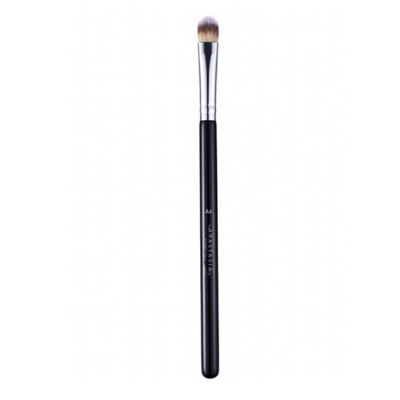 NEW Anastasia A4 cream shadow pro brush!